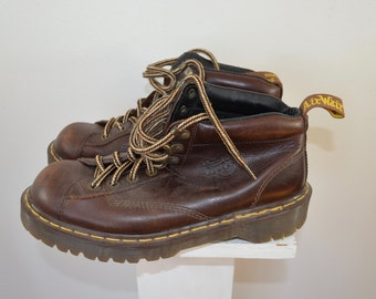Vintage DR. MARTENS Boots Mens uk sz. 9 Made in ENGLAND shoes docs brown