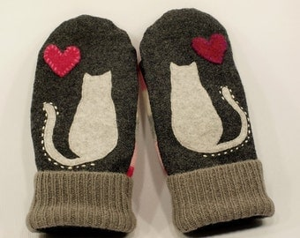 Cat Mittens Felted Sweater Wool Grey Cat Applique Leather Palm Fleece Lining Eco Friendly  Up Cycled Size M