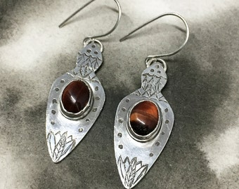 Wine red tigers eye and sterling silver spear shaped earrings, one of a kind etched design, a perfect holiday gift for warrior women