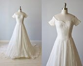 1950s Wedding Gown / A-Line Wedding Gown / Embroidered / Short Sleeves / Priscilla of Boston