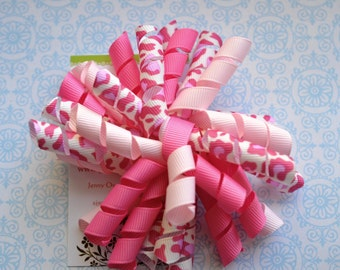 Shades of Pink Leopard Korker Clip