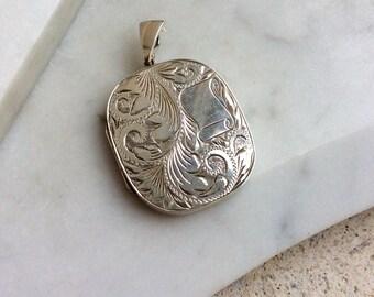 Large sterling silver vintage locket, engraved locket pendant, engraved locket