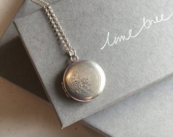 Round Vintage Locket, Silver Pendant Necklace, Flower Necklace