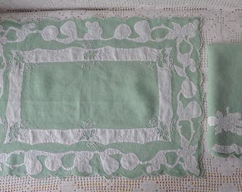 Vintage Madeira Work Hand Embroidered Table Linens/Set of Six/Place Mats and Napkins/Sage Green and White