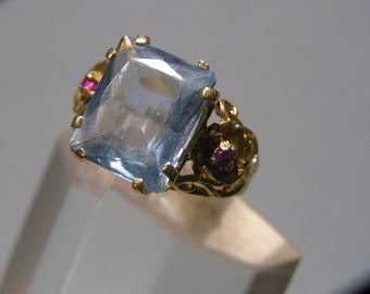 Vintage 10kt Gold  Ring .Blue Topaz . Ruby Rubies . Fine  jewelry