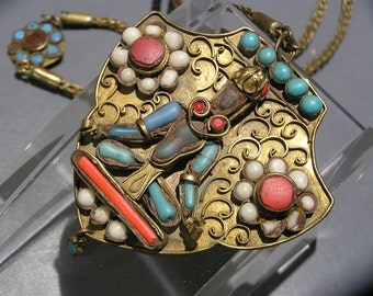 Magnificent Pendant Necklace . Tibetan Nepal Old jewelry