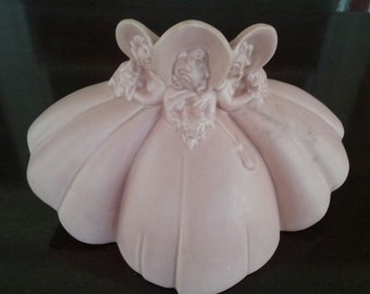 Haeger Pottery Planter Vase 3 GIRLS Bonnet USA PINK Vintage 9.25""