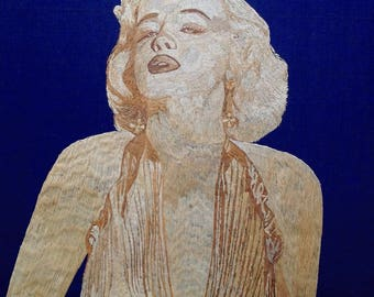 Marlyn Monroe portrait Handmade with rice straw. Have U seen ancient rice straw art. Movie star Marlyn Monroe fans collectible art. Unique