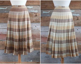 1960s pleated wool plaid skirt | In n' Outer by Sportrite | reversible brown pleated wool skirt | knife pleat skirt | waist 27""