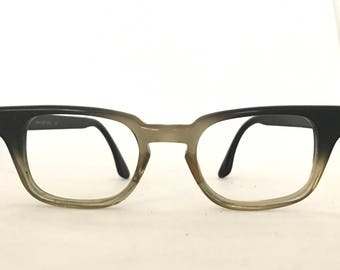 B&L Vintage 60s Brown Fade Wayfarer Glasses Eyeglass Frame Med/Lg 48-22-5.5 Mad Men Sunglasses Keyhole Bridge Tart Arnel Military Gman