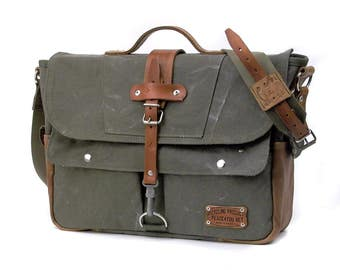 Olive Canvas Messenger Bag, Crossbody Bag, Top Handle Bag, Recycled German Army Duffel, Recycled Leatherjacket / Upcycled in GERMANY-2180