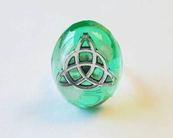 Celtic Triqueta Ring Size 6 Six Flower Resin Nature Bohemian Jewelry  Spiritual Charm Triquetra Trinity Knot Symbol Accessories Green