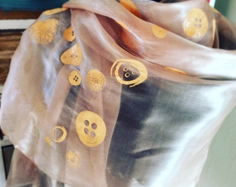 Peach Organza Shawl With Buttons Print