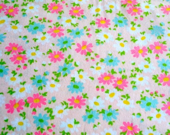Vintage Flannel Fabric - Mod Turquoise and Pink Daisies - By the Yard