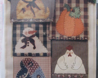 Country Towels, 5- 7 in. One Piece Appliqué Designs for Hand or Machine Appliqué, Dish Towels, Kitchen Towels, by Caught in Stitches, 2000