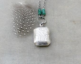 May Birthstone Locket Necklace, Emerald Necklace, Sterling Silver Locket, Vintage Locket, Push Present, Emerald Locket, Push Gift for Mom