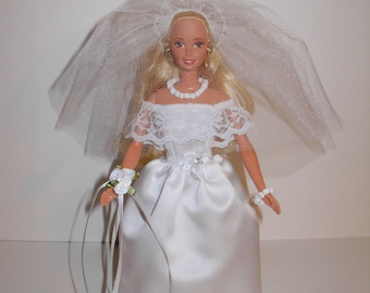 Adorable white satin wedding gown, corsage,  veil, necklace & bracelet for barbie doll