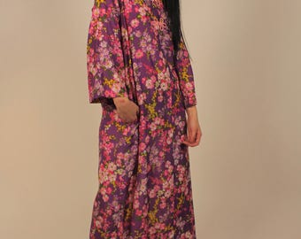 Vintage 70's Handmade Floral Print Mumu Housecoat