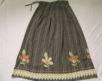 Beautiful Stylish Maxi Skirt - Vintage - Medium - Vertical Zig Zag Stripes - Sparkling Floral Accents - Gorgeous Lace Trim - Gray