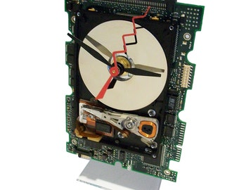 Great Gifts for Geeks! Laptop Hard Drive on a Circuit Board Clock, Unique, Red Zigzag Second Hand. Gifts for Him.