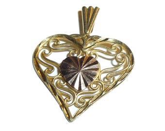 14K Gold Tiny Heart Pendant. 1.5 grams Vintage Sweetheart.