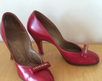 1940s Red Heels Sz 7 Narrow