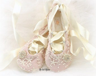 Ballet Flats,Rose, Blush, Ivory, Wedding Flats, Lace Flats, Ballet Slippers, Reception Shoes, Flats, Bridal Flats, Maid of Honor, Pearls