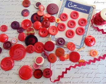 Vintage RED Maroon Lot Buttons Rick Rack Novelty Shank Button card