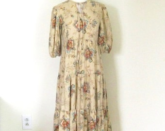 SALE Vintage 70s Bohemian dress / Boho Prairie style floral dress / Hippie Folk dress