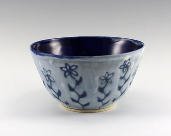 Ceramic bowl - cereal bowl - soup bowl - salad bowl - flower design - blue & white - Stoneware - Pottery