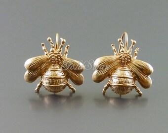 1 pair / 2 pcs matte rose gold Bumblebee hook ear wire earrings, bee earrings, insect, queen bee earrings E1035-MRG