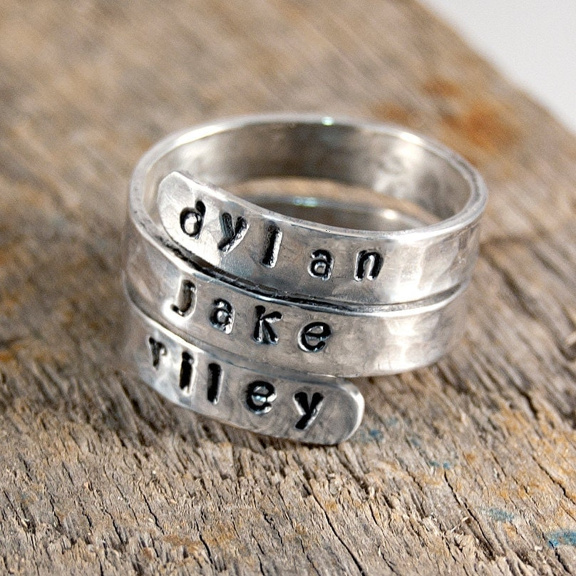 mothers ring personalized mothers ring personalized ring. Black Bedroom Furniture Sets. Home Design Ideas