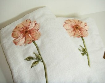 Bath Towels White with Poppy Flower - Vintage New Stock American Made