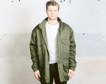 Vintage Men's PARKA Jacket .  US Army Field Coat Insulated Thick Khaki Green Military Jacket . size XL Extra Large