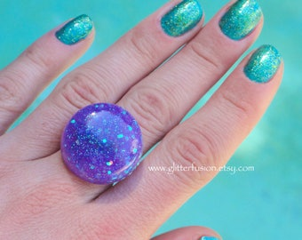 Purple Iridescent Glitter Fusion Resin Statement Ring, Lavender Glitter Bubble Dome Ring, Kawaii Mermaid Glitter Bauble Party Favor Ring
