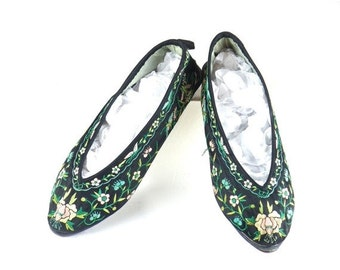 SALE 1920s Slippers, 20s Shoes, 1920s Floral Silk Embroidered Slippers with Butterflies, Chinese Shoes Flats