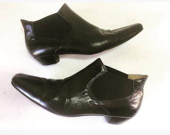 Vintage black leather chelsea ankle boots pixie boots bisou bisou sz 6 / 6.5 mod squad