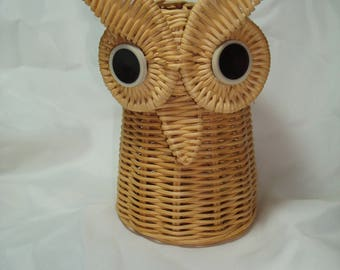 1960s Woven Rattan Light Brown Owl Pen and Pencil Holder.