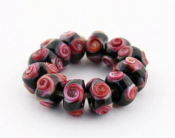 Sheribeads Glass Beads 12 Rose Bouquet on Black Twist Spacers Lampwork