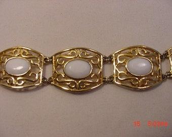 Vintage White Cabochon Filigree Bracelet   16 - 830