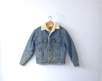 Vintage 90's denim jacket with shearling collar, snap buttons, GAP men's size small