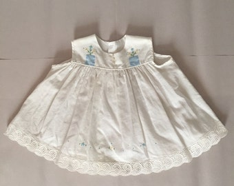 1950s baby girl dress | cotton and lace dress | embroidered flowers dress