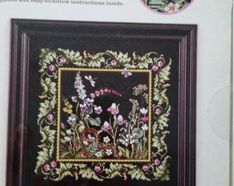Floral Motif Cross-stitch