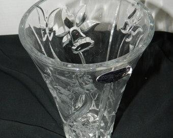 Genuine 24% Lead Crystal Vase by DePlomb Crystal USA Tulip / Floral Pattern