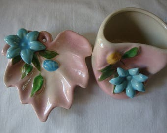 2 Pice Vintage ZANESVILLE 3D CERAMIC Vase Container and Leaf Tray Mid Century Ceramic Dresser Pieces MOD Flower Power 3D Turquoise & Pink