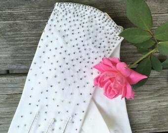 Vintage Formal White Gloves Beaded White Wedding Gloves Beaded Gloves Smart White Bridal Gloves Beaded White Bridal Gloves