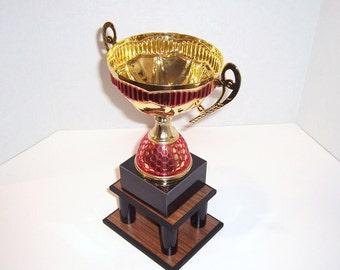 Trophy Stand - 5 Pillars - Woodgrain Base - Black Pillars