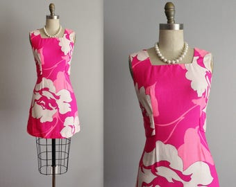 70's Mini Dress // Vintage 1970's Neon Pink Floral Print Mod Mini Dress S