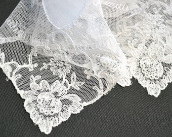 VINTAGE WEDDING HANKIE, Wedding White Linen Tambour Net Lace Pomegranate Flowers For Fertility Handmade in Switzerland Excellent Condition