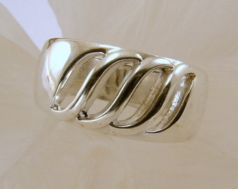 Sterling Silver Cut Out Ring - Size 8